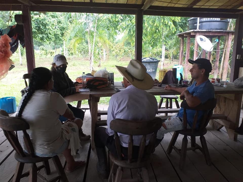 Campesinos reciben pago por conservar los bosques